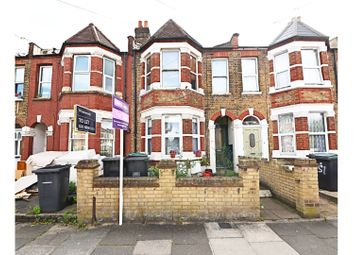 Thumbnail 2 bed flat for sale in Warwick Gardens, London