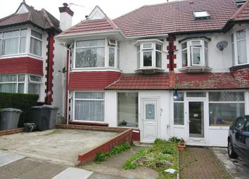 Thumbnail 2 bed flat to rent in Park Chase, Wembley, Middlesex