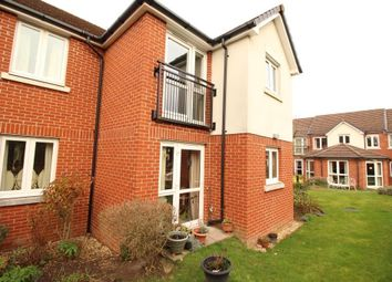 Thumbnail 1 bed flat for sale in Chieveley Close, Tilehurst, Reading