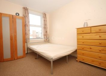 Thumbnail 5 bed flat to rent in Muswell Road, London