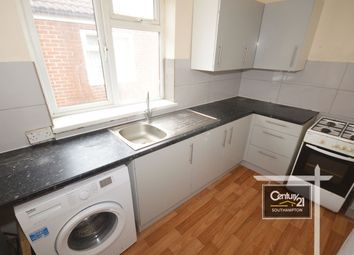 2 bed flat to rent in Clovelly Road, Southampton SO14