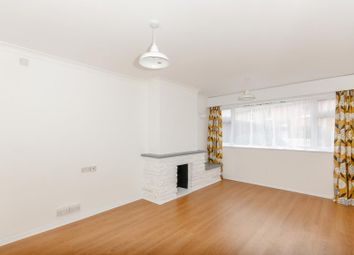 2 bed flat to rent in Anyards Road, Cobham KT11