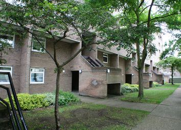 Thumbnail 2 bed flat for sale in Hanover Court, Cambridge