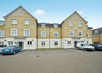 Thumbnail 2 bed flat for sale in Brownlow Close, East Barnet, Hertfordshire