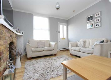 Thumbnail 2 bed cottage for sale in Smarts Lane, Loughton, Essex
