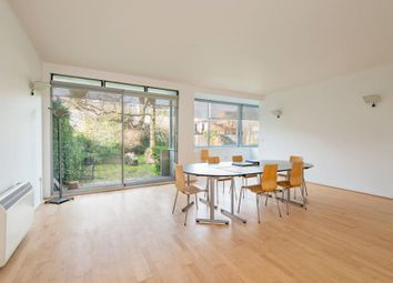 Thumbnail 3 bedroom flat to rent in Cliff Road, London