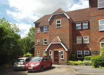 Thumbnail 3 bed flat to rent in Malmers Well Road, High Wycombe