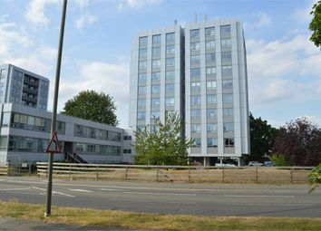 2 bed flat to rent in Wellington Close, Walton-On-Thames, Surrey KT12
