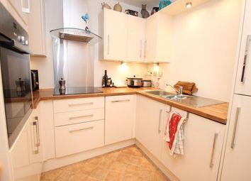 Thumbnail 2 bed flat to rent in Oakwood Avenue, Beckenham