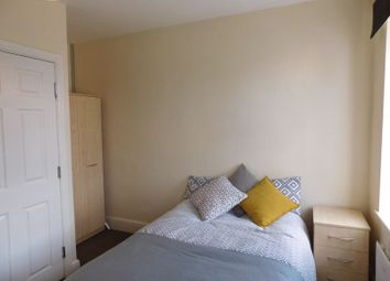 Room to rent in West Hill Drive, Mansfield NG18