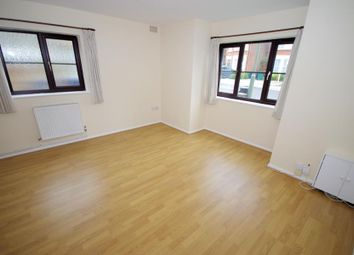 Thumbnail 2 bedroom flat to rent in Long Lane, Finchley