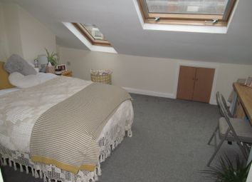 Thumbnail 5 bed terraced house to rent in Grange Avenue, Reading