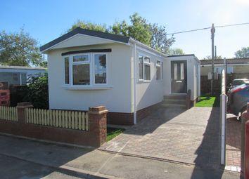 2 bed mobile/park home for sale in Grovelands Park, Winnersh, Wokingham, Berkshire, 5Le RG41