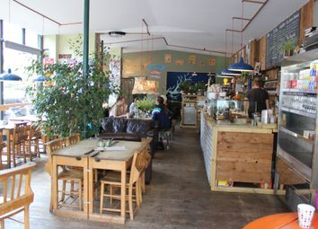Restaurant/cafe to let in Stoke Newington High Street, London N16