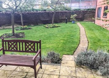 Thumbnail 1 bedroom flat for sale in Batchwood View, St.Albans