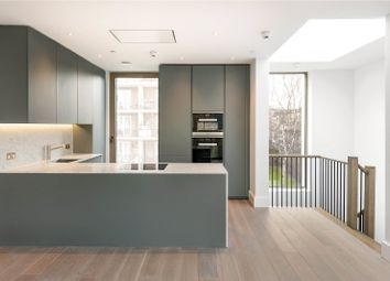 Thumbnail 1 bed flat for sale in Rosemoor Street, London