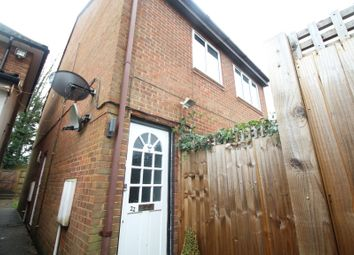 2 bed flat to rent in Folly Path, Hitchin SG4