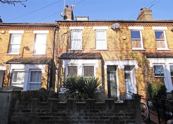 4 bed property to rent in Rosebank Road, London W7