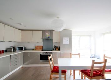 Thumbnail 2 bedroom flat to rent in Kingston Road, Staines