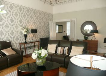 Thumbnail 2 bed flat to rent in Royal Crescent, Glasgow