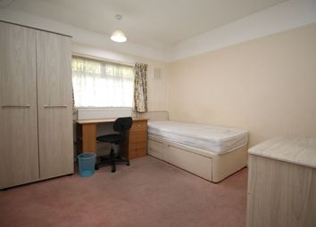 Thumbnail Room to rent in Spring Rise, Egham
