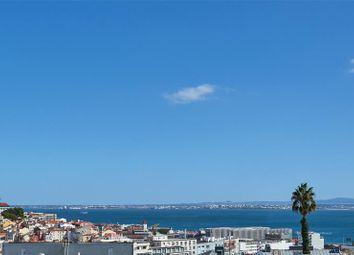 Thumbnail Apartment for sale in Lapa, Lisbon, Portugal, 1200-612