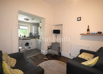Thumbnail 5 bed flat to rent in Junction Road, Tufnell Park, London