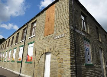 Thumbnail 1 bed flat to rent in Stile Common Road, Huddersfield