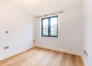 Thumbnail 2 bed flat to rent in Kilburn Park Road, Kilburn, London