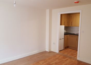 Thumbnail 3 bed flat to rent in Isledon Road, London