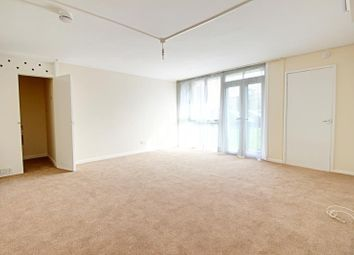 Thumbnail Studio to rent in Ashbourne Court, Ashbourne Close, Woodside Park, London