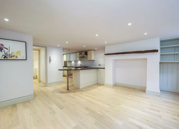 Thumbnail 5 bed property to rent in Princelet Street, London