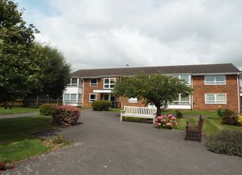Thumbnail 2 bedroom flat to rent in Hawthorn Gardens, Broadwater, Worthing