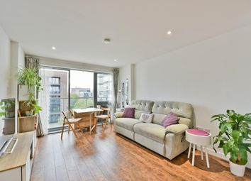 Thumbnail 2 bedroom flat to rent in Upper North Street, Limehouse