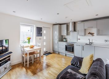 2 bed flat for sale in Priory Road, Reigate RH2
