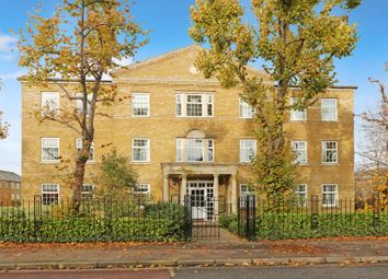 2 bed flat to rent in Balaclava Road, Long Ditton, Surbiton KT6