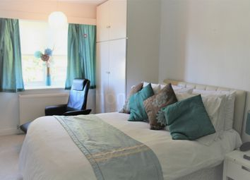 Thumbnail Room to rent in Redway Drive, Twickenham