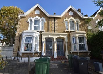 1 bed flat to rent in Maybank House, High Road Leyton, London E10