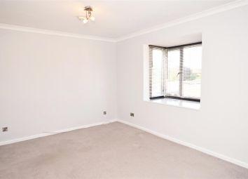 1 bed maisonette to rent in Morland Close, Hampton TW12