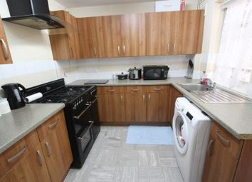 Room to rent in Wine Close, London E1W