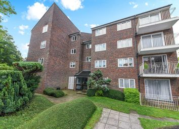 2 bed flat to rent in Basing Road, Banstead SM7