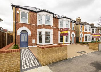 4 bed property for sale in Earlshall Road, London SE9