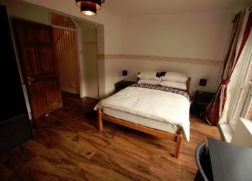 Thumbnail Room to rent in John Pritchard House, Buxton Street, London