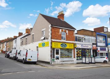 Thumbnail 1 bedroom flat to rent in Commercial Road, Town Centre, Swindon