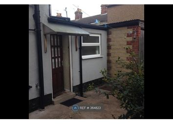 Thumbnail 1 bed flat to rent in Union Road, Lowestoft
