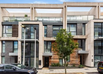 Thumbnail 3 bed flat to rent in Hawthorne Crescent, London
