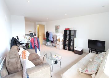 Thumbnail 1 bed flat to rent in Viridian Apartments, Battersea Park Road, Batersea