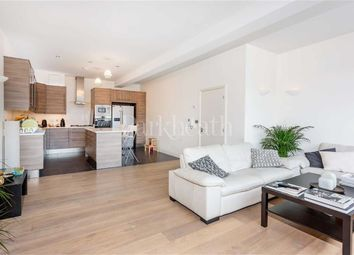 Thumbnail 4 bedroom flat to rent in Villiers Road, Willesden Green, London