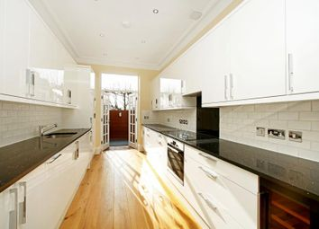 Thumbnail 4 bed flat to rent in Heath Street, London