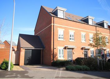 3 bed town house for sale in Fetlock Drive, Newbury RG14